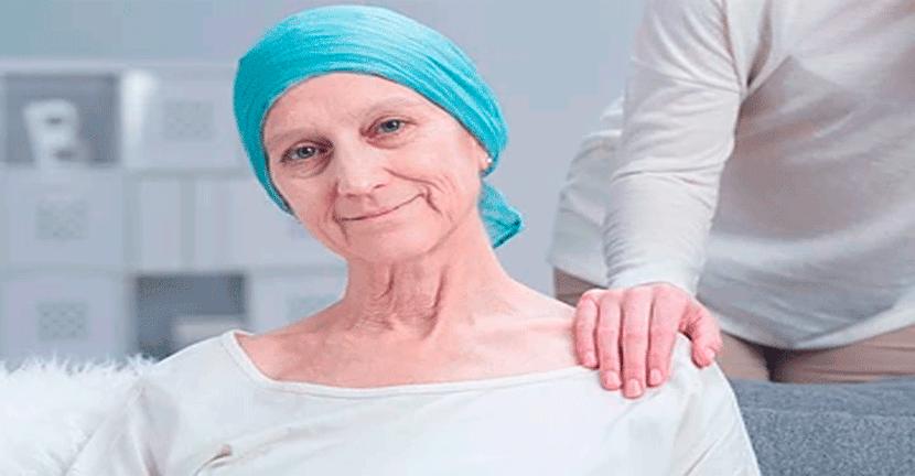 Imagen Atención especial e individualizada para adultos mayores con cáncer de mama.
