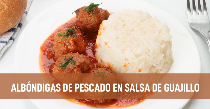 Imagen de la receta Albóndigas de pescado en salsa de guajillo